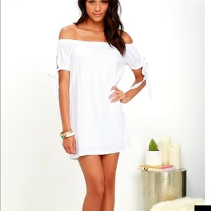NWT-Off shoulder tie sleeve ivory dress